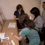 Estudiantes del IED en la Fanzinoteca